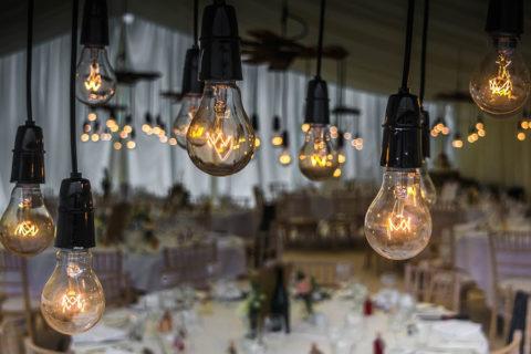 Cómo decorar o ambientar fiestas con luces