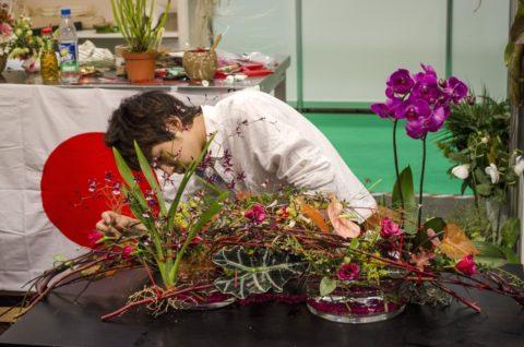 Cómo trabajar y cuidar los arreglos con flores